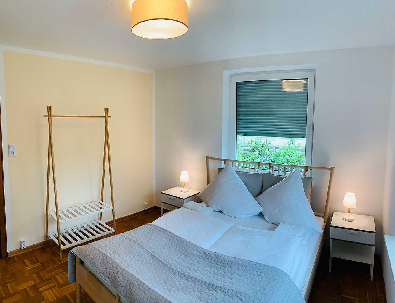 Hotel-Fährhaus-Kirschenland-Ferienwohnung-Erdgeschoss-Schlafzimmer-1