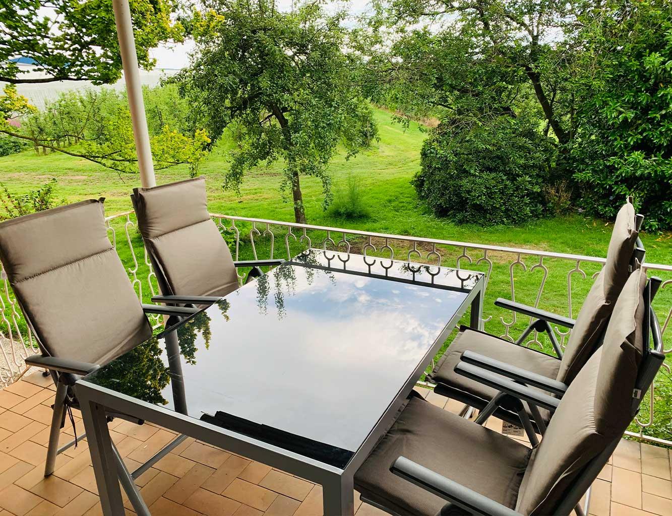 Hotel-Fährhaus-Kirschenland-Ferienwohnung-Erdgeschoss-Terrasse