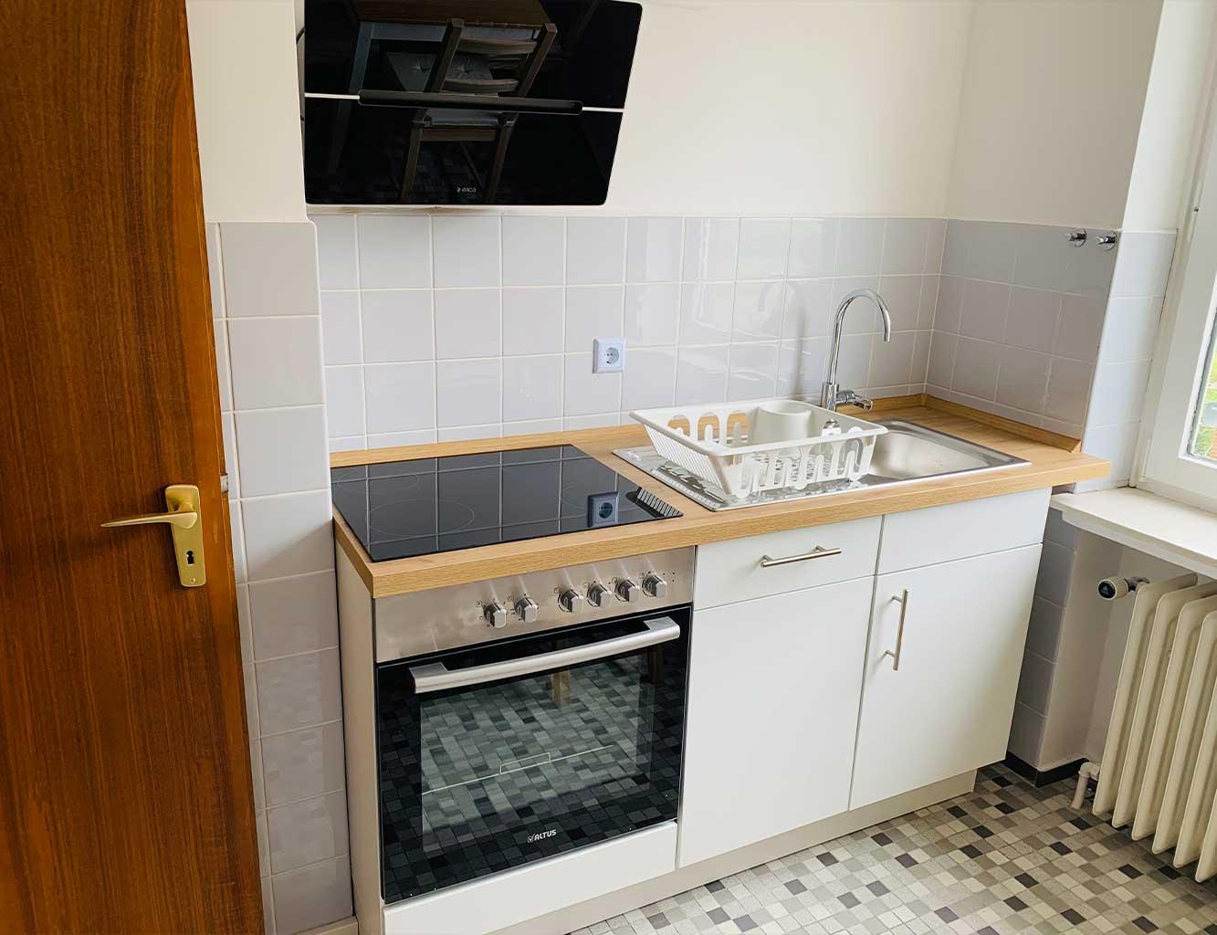 Hotel-Fährhaus-Kirschenland-Ferienwohnung-Obergeschoss-Küche-Herd