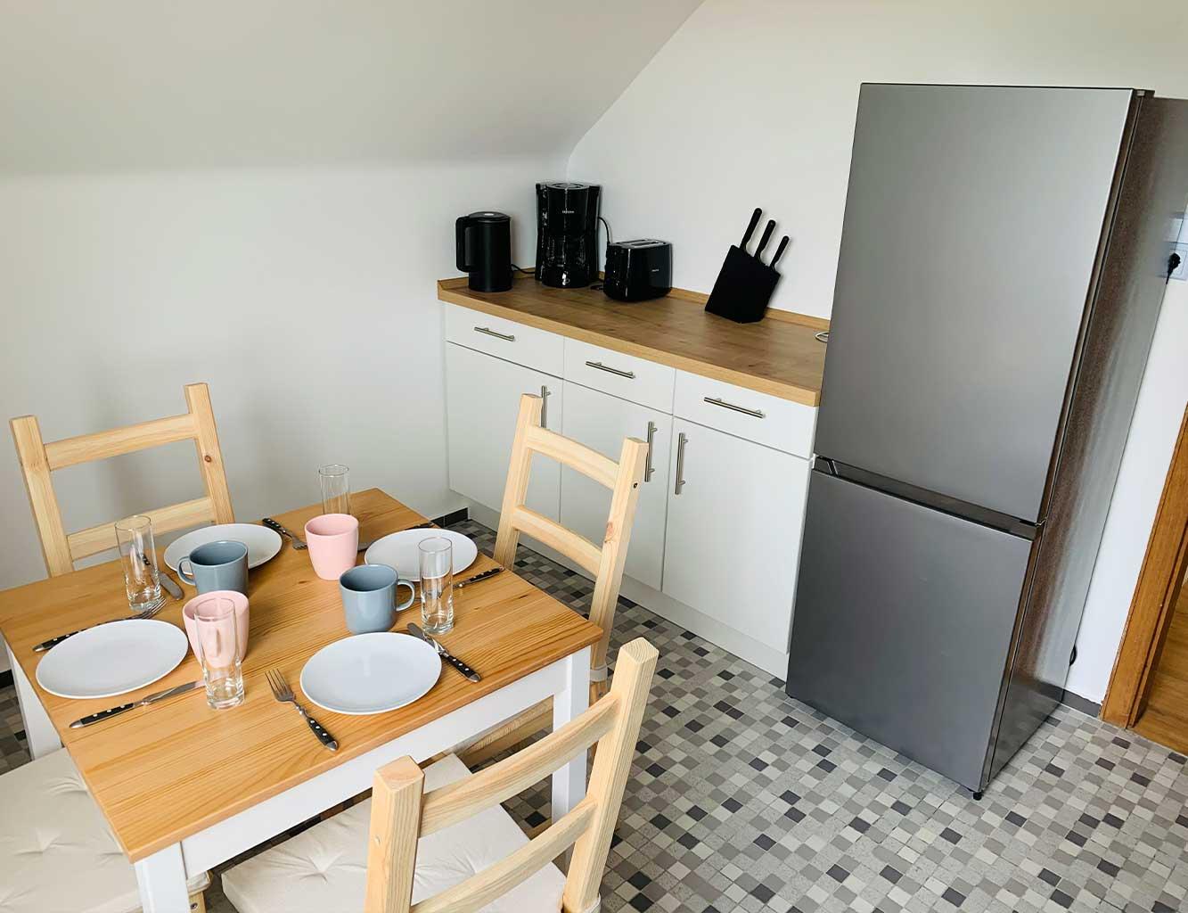 Hotel-Fährhaus-Kirschenland-Ferienwohnung-Obergeschoss-Küche