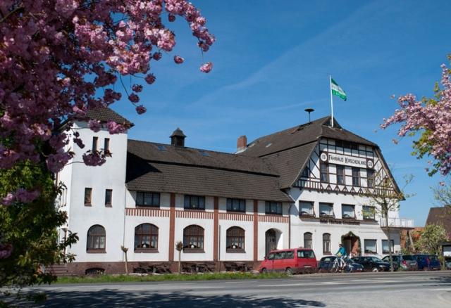 Hotel in traumhafter Umgebung - übernachten Sie an der Elbe im Alten Land